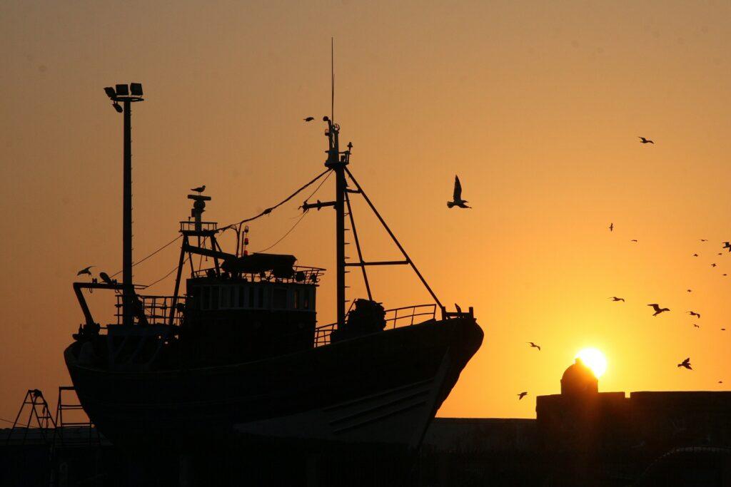 Vissersboot kotter vissersschip boot schip